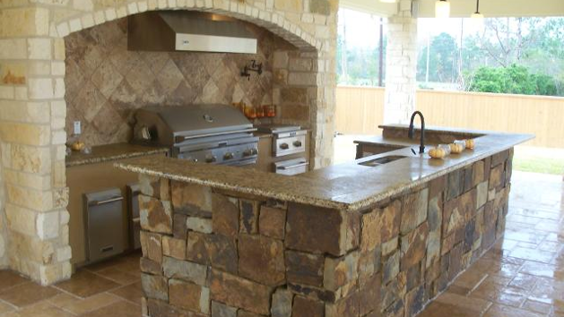 Build outdoor kitchen on deck images for Building outdoor kitchen cabinets